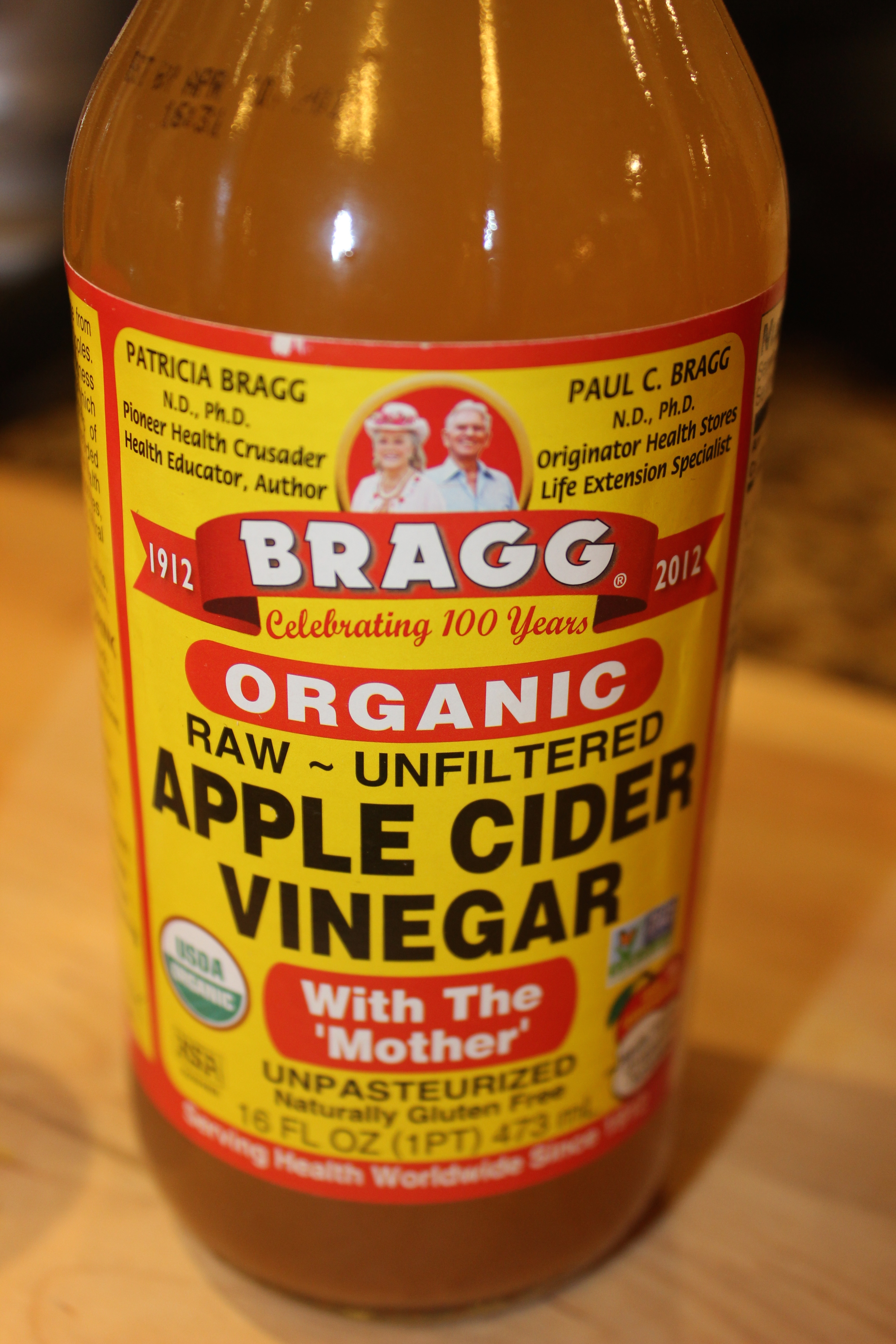 what 39 s the difference between raw apple cider vinegar and regular archives rachel 39 s nourishing. Black Bedroom Furniture Sets. Home Design Ideas