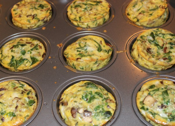 YUM! These mini egg muffins are bursting with flavor and SO yummy