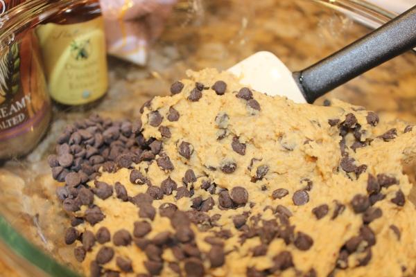 Nom nom (vegan) cookie dough!