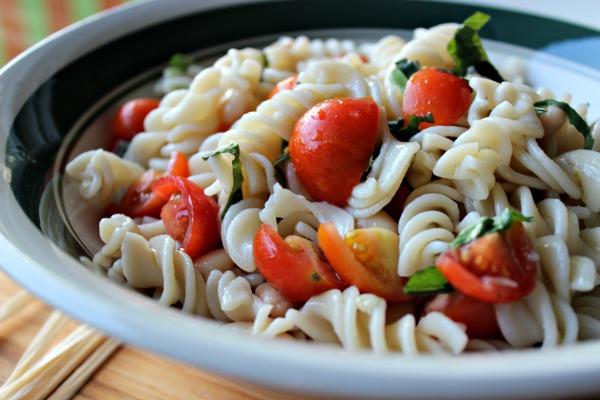 Tomatoe Basil Salad