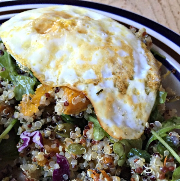 egg with quinoa salad
